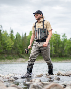 What's the difference between fly fishing and traditional fishing?